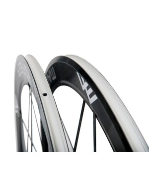 The Road.2 comes in clincher (shown) and tubular versions. Price is the same: US$2,999/€2,795 for either version; a ceramic bearing upgrade costs US$200/€200