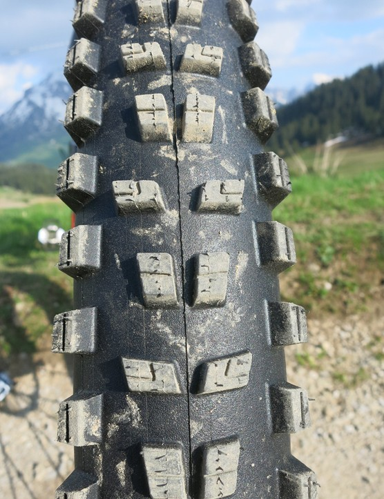Mavic Crossmax WTS front Charge tyre tread