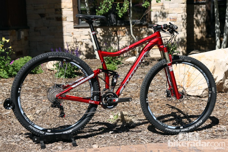 Niner has added 20mm of travel to the revamped JET 9 but trimmed 110g, too, all while lending a slacker and more trail-friendly front-end geometry as well