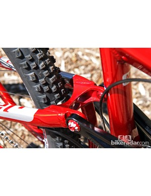 All-new forged seat stay and chain stay yokes are used on the new Niner JET 9