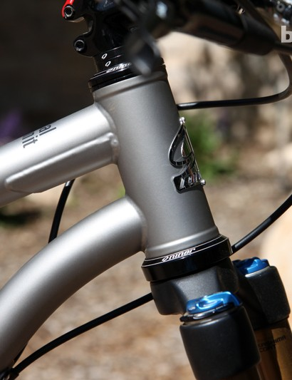The 44mm tapered head tube on the new Niner ROS 9 is reinforced with a big gusset beneath the top tube