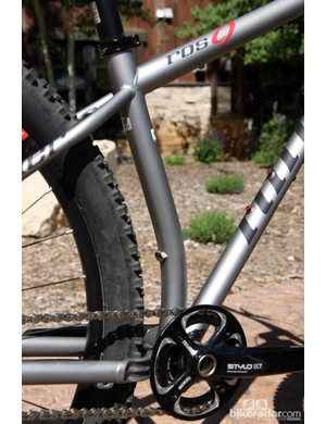 A kinked seat tube on the new Niner ROS 9 allows for effective chain stays lengths as short as 418mm