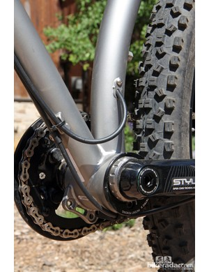 Routing is included for stealth-style dropper posts on the new Niner ROS 9