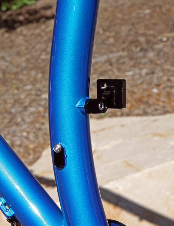 The internal dropper post port can be covered with a bolt-on aluminum plate and the front derailleur mount can be removed on Niner's new ROS 9