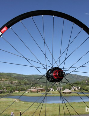 The new Stan's NoTubes ZTR Alpha 400 is a heavier-duty version of the lightweight Alpha 340 with a stiffer aluminum extrusion, 32 spokes front and rear, and machined sidewalls that also allow for rim brake use if needed