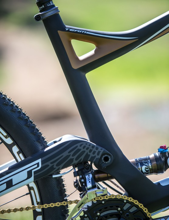 The direct-mount front derailleur keeps things up to date