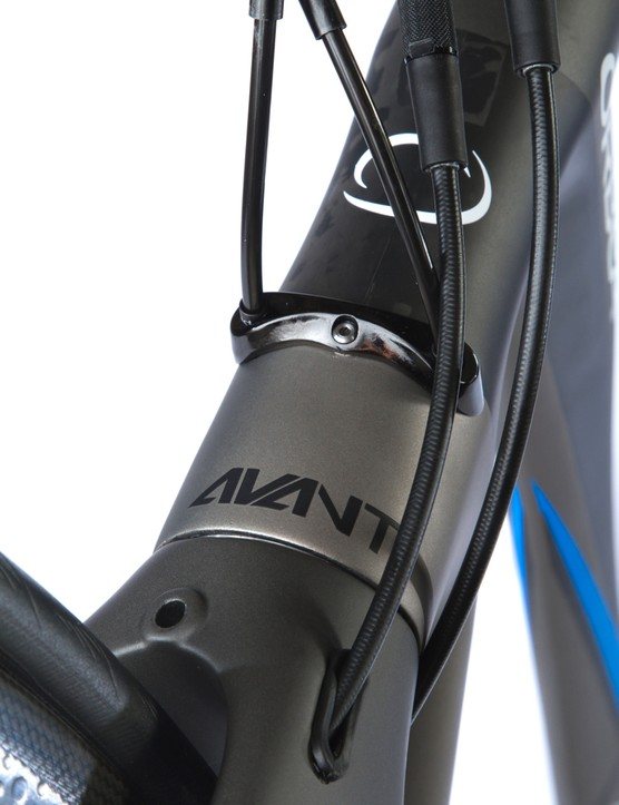 The Avant has one head tube cable guide for electric and another for mechanical. And the hydraulic brake lines are routed internally, too