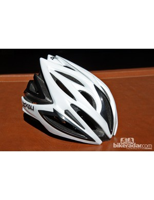 The Kali Phenom road helmet features the company's innovative Composite Fusion Plus dual-density foam construction, co-molded memory foam padding, and reinforced vents. Target weight is around 260g for the smaller size and suggested retail price is US$149/£120