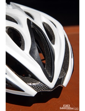 In addition to embedded carbon fiber reinforcements inside the EPS liner, the new Kali Phenom road helmet also features external ABS reinforcing rings around some of the vents to provide some extra structure in case of a crash
