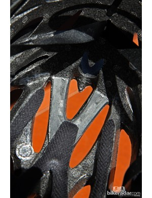 Kali co-molds soft memory foam at key contact points inside the new Phenom road helmet so that your head is never held up against a hard EPS liner