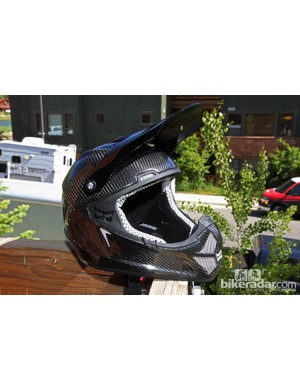 The new Kali Shiva DH helmet isn't cheap, at US$449/£400, but its carbon fiber shell and Composite Fusion Three dual-density in-molded foam construction let it pass DOT standards, too. More remarkably, it weighs less than 1,000g