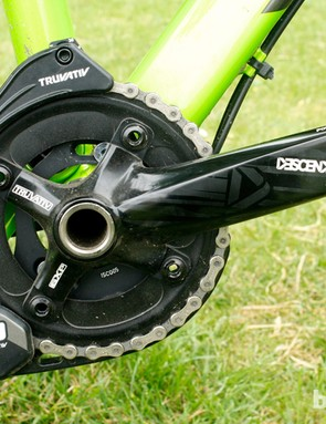 The SRAM X0 chainguide and 36T Truvativ Descendant cranks provide a solid front end to the drivetrain