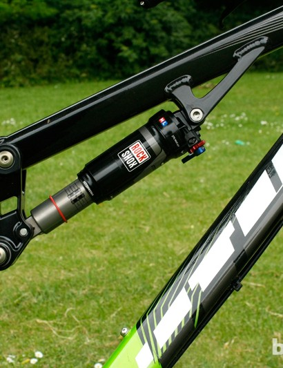 The combination of the linkage design and choice of shock definitely help the Vitus Sommet 1's appearance