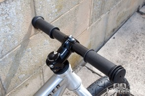 The Alley Runner even gets a carbon handlebar