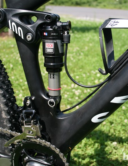 Unlike on the Nerve CF, the bottom shock mount is fixed, as the Flex Pivot system doesn't need a floating shock. This saves weight