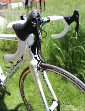 Campagnolo Record 11-speed mechanical adorns the limited edition of 50 bikes for the US market
