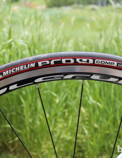 Fulcrum Racing 5 clinchers with Michelin Pro 4 Comps help take the edge off the price, compared to Campagnolo tubulars