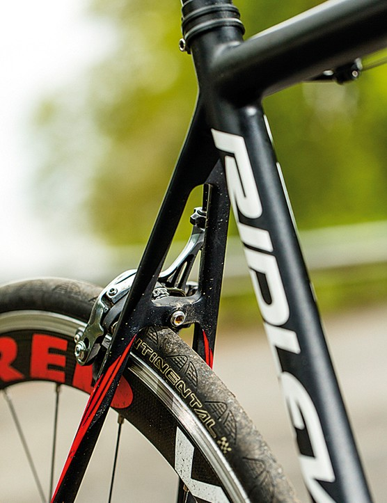 Slim tubes and tight angles create a rigid rear triangle