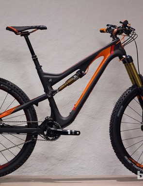 The 2014 Scott Genius LT 700 gets 170mm of travel,  27.5in (650b) wheels, a new Fox Nude shock and fresh carbon frame that saves 430g over the outgoing model