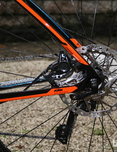 Post-mount brakes are located between chain- and seatstays