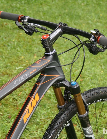 The tapered head tube offers plenty of control for the 100mm fork