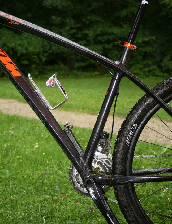 The seat tube is set forward from the BB on the Myroon, to give a more relaxed angle. This is said to improve comfort thanks to additional flex being transferred from the seatpost