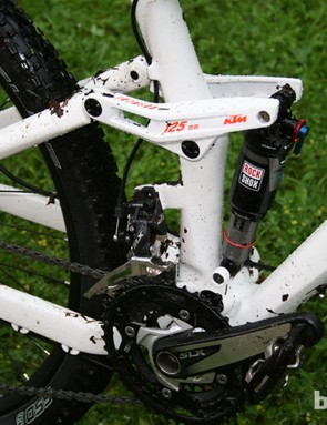 The aluminium rear triangle is controlled through a floating RockShox Monarch shock