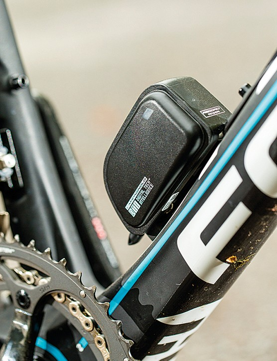 Electronic only – no provision for mechanical shifting here