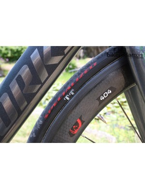 Specialized have been hard at work on new tyres, and these models have a 24mm width that complement the aerodynamic properties of the Zipp 404 wheels