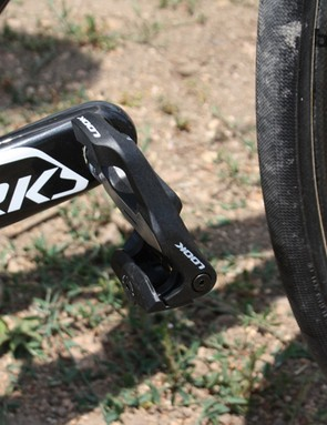 Look Keo 2 pedals finish off the bike