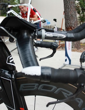 The unmistakable slanting head tube of the Dean has been retained