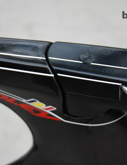 The steering assembly has been integrated into the frame and cabling internalised in the headset