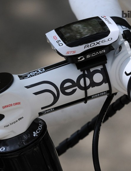An aluminium Deda Zero 100 stem and Sigma Rox 6.0 computer that has a fork leg-mounted speed sensor