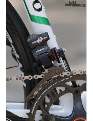 Campagnolo EPS front mech, standard 53/39 rings and an Aivee CNC chain catcher for security