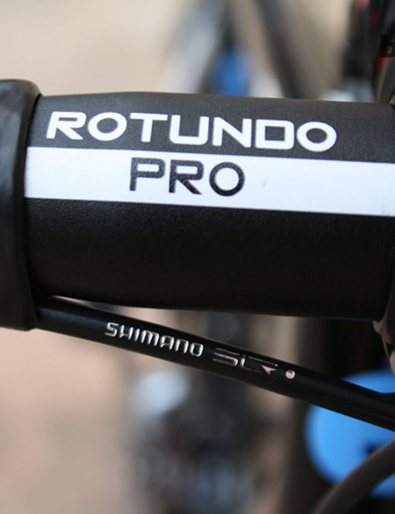 The 42cm 3T Rotundo Pro is about as traditional a bar as you'll get: aluminium with a medium drop