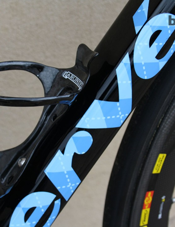 While big brands dominate componentry on the Cervélo, bottle cages come from Arundel