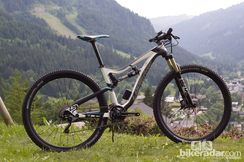The Lapierre Zesty bikes have been split into two distinct lines for 2014; this is the 29in-wheeled, 120mm travel Zesty Trail
