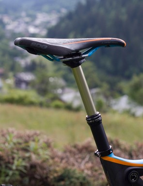 The Zesty AM range is fitted with dropper posts, while the Trail variants aren't