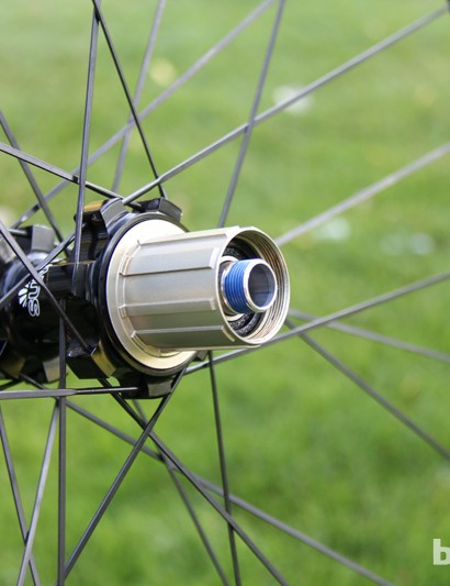 The driveside end cap can be threaded off in order to service the freehub