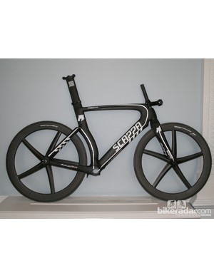 The Scappa Stronzetta time trial frame with Xentis wheels