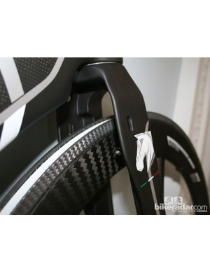 The front brakes are hidden behind the fork on the Stronzetta