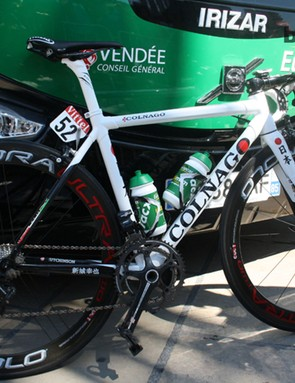 A quick fix with some red sticky tape turns the 'o' in Colnago into the rising sun on Japanese national champion Yukiya Arashiro's (Europcar) bike