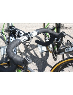 Bauke Mollema (Belkin) removed the rubber hoods because they give him an allergic reaction