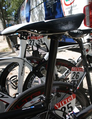 Hansen (Lotto-Belisol) is using a straight alloy seatpost with the seat slammed forward and the brand taped over