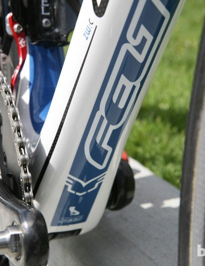 The wide BB30 bottom bracket shell makes for a broad down tube junction