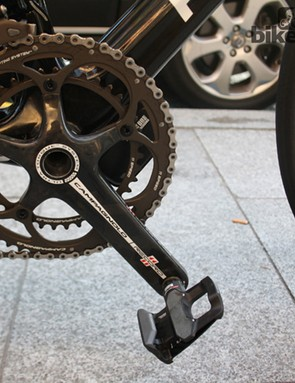 On the front, Quintana goes for a standard 53/39 chainring configuration