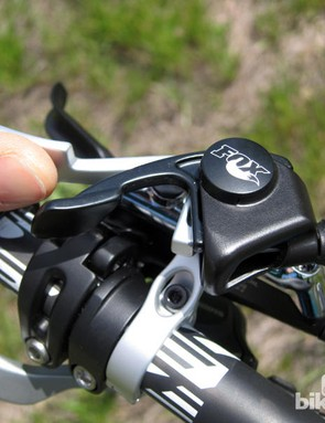 Remotes for dropper seatposts and front and/or rear suspension take up a lot of handlebar space and don't always play well with each other. Professional enduro racers Lars Sternberg and Jerome Clementz have found some clever solutions to improve ergonomics and reduce handlebar clutter