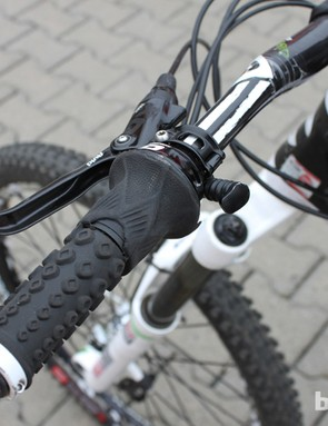 Braking, saddle height and rear suspension controls all at Clementz' finger tips in a tidy package