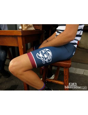 The Anchors and Skulls bibs feature the Attaquer logo on the left leg