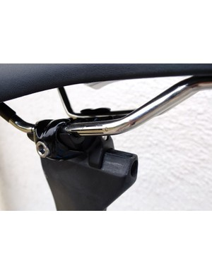 The saddle clamp adjusts from 75- to 79-degree seat angles